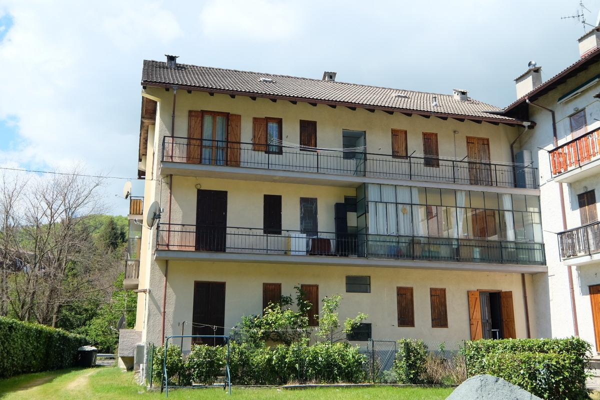 Appartamento in buone condizioni in vendita Rif. 4165294