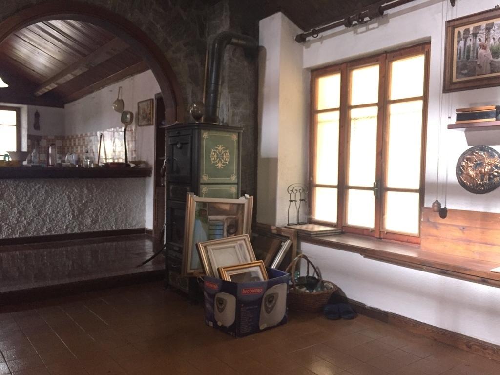 Casa Indipendente in buone condizioni in vendita Rif. 9834342