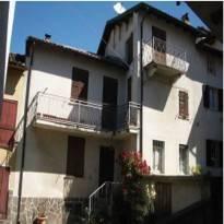 Porzione di casa da ristrutturare in vendita Rif. 12378283
