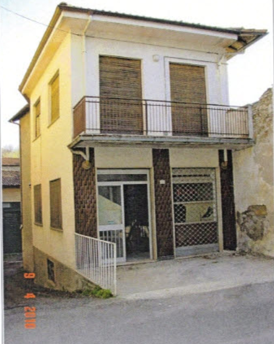 Casa Indipendente in discrete condizioni in vendita Rif. 9679548