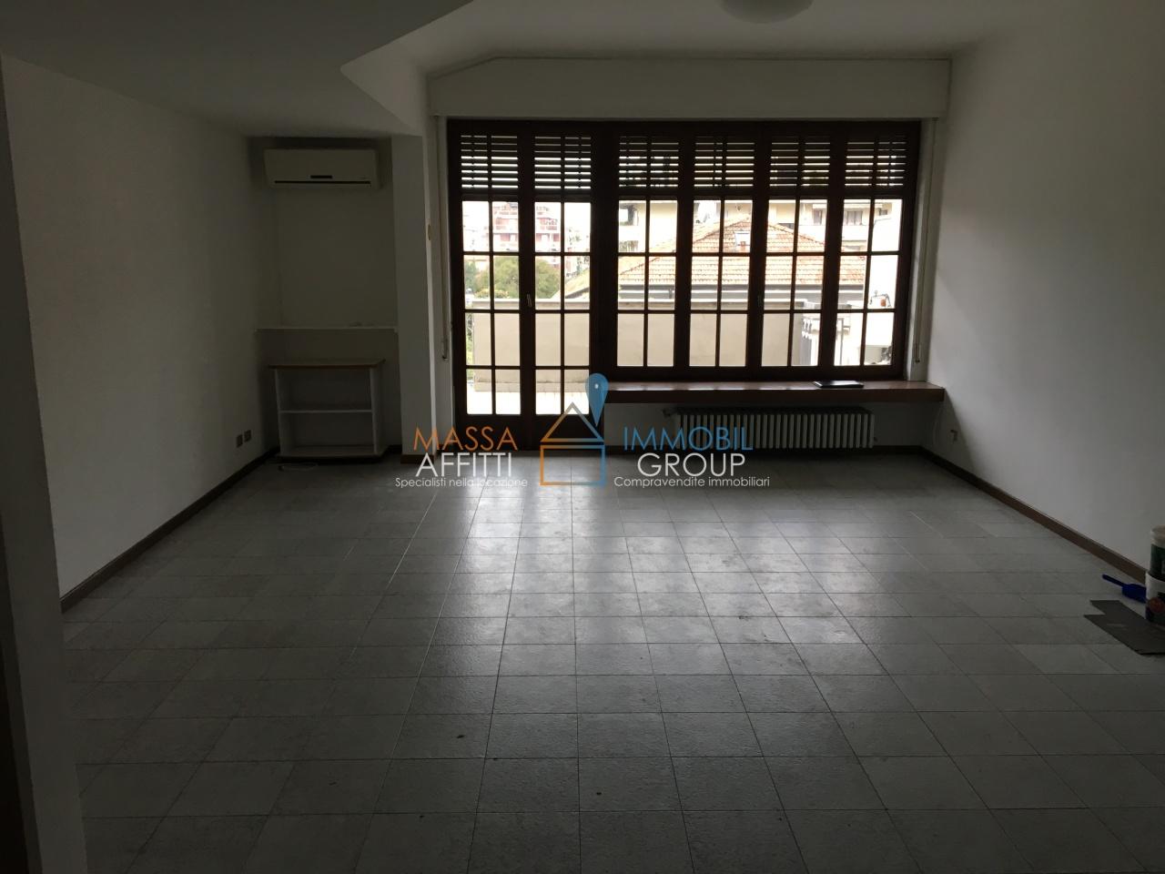 Appartamento - Attico a Avenza, Carrara