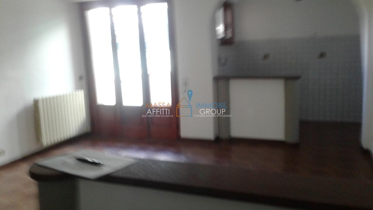 Appartamento in buone condizioni in affitto Rif. 4168546