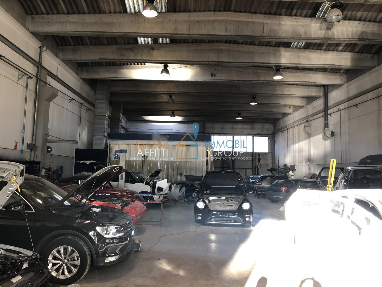 Capannone / Fondo - Industriale/Artigianale a Massa Rif. 9191313