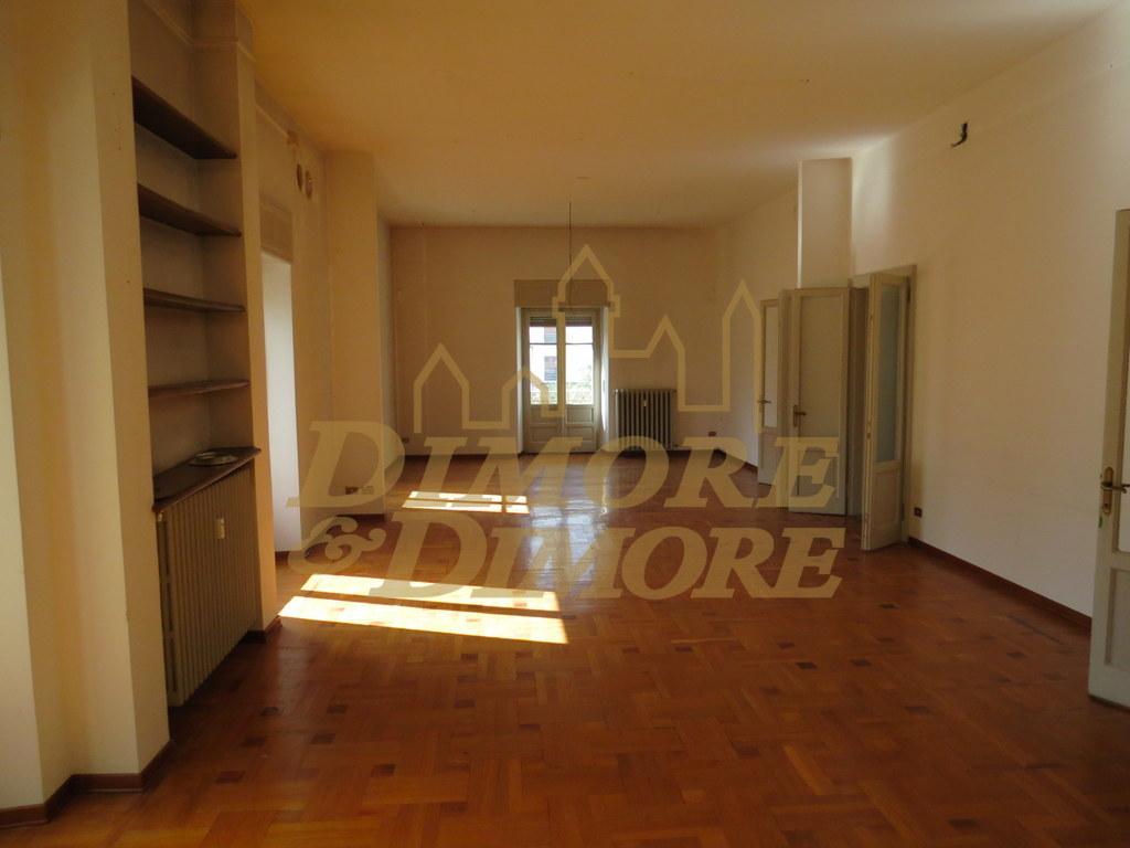 appartamento verbania vendita 530.000 260 mq riscaldamento