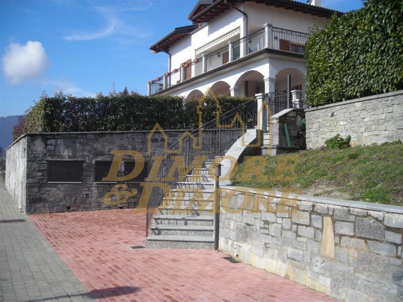 Appartamento in vendita a Arizzano, 3 locali, prezzo € 420.000 | CambioCasa.it