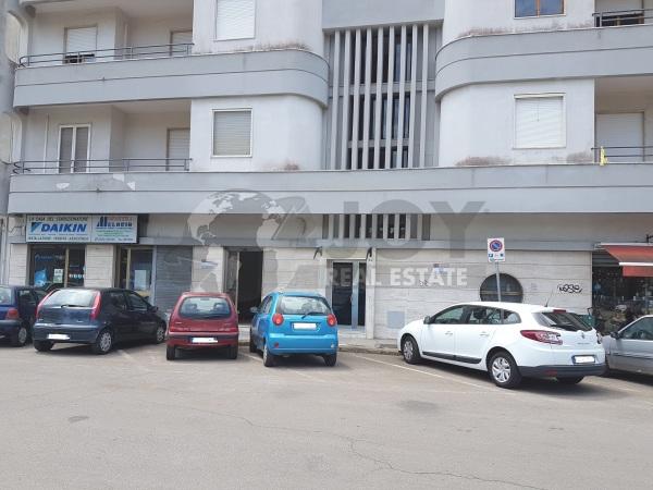 Ottima Posizione angolare Via Bonifacio, Lecce