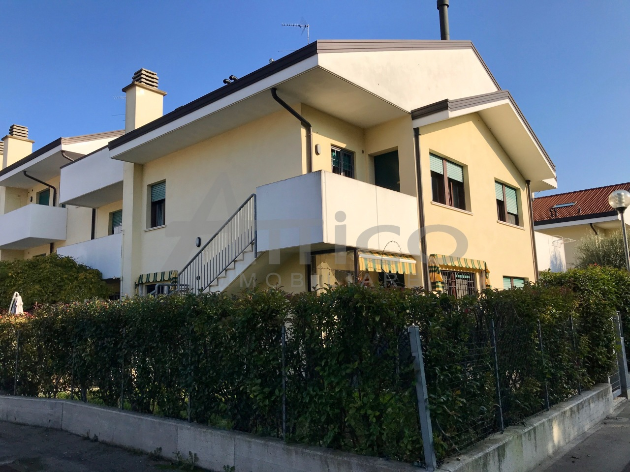 Casa Indipendente in ottime condizioni in vendita Rif. 8859174