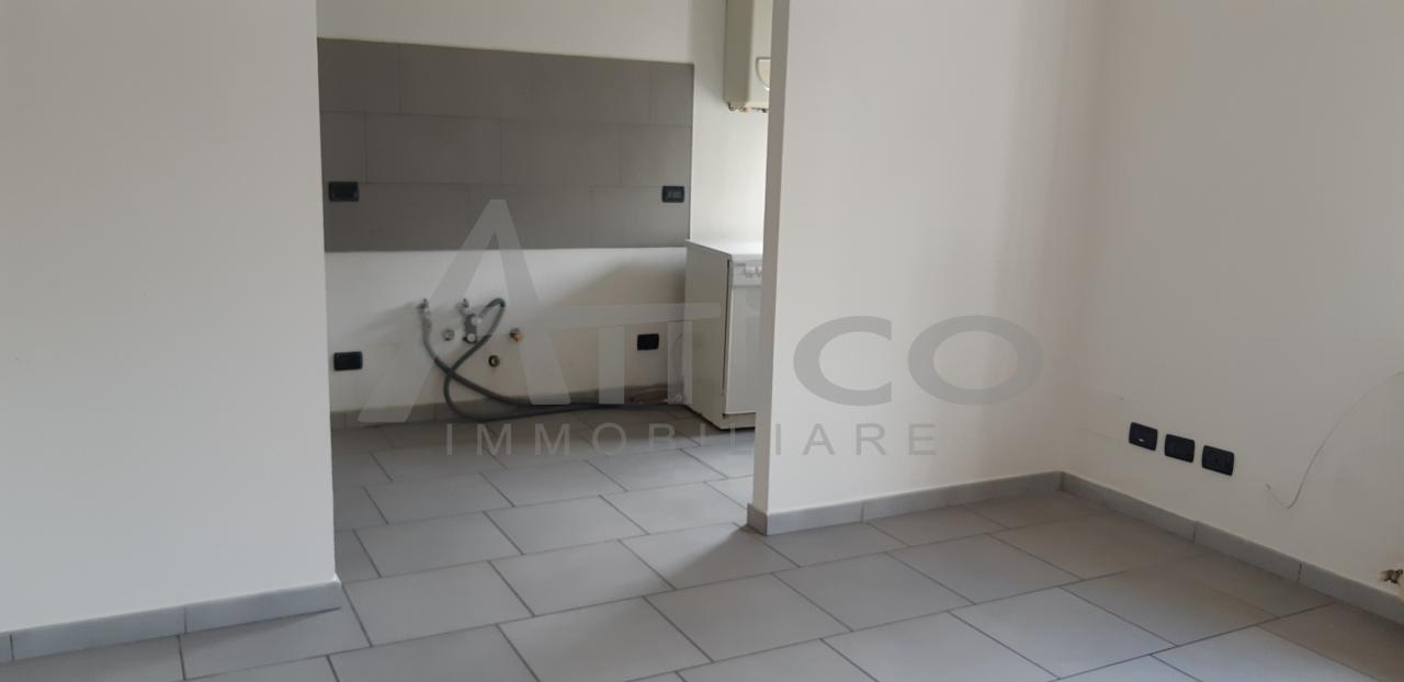 Quadrilocale in buone condizioni in affitto Rif. 8489138