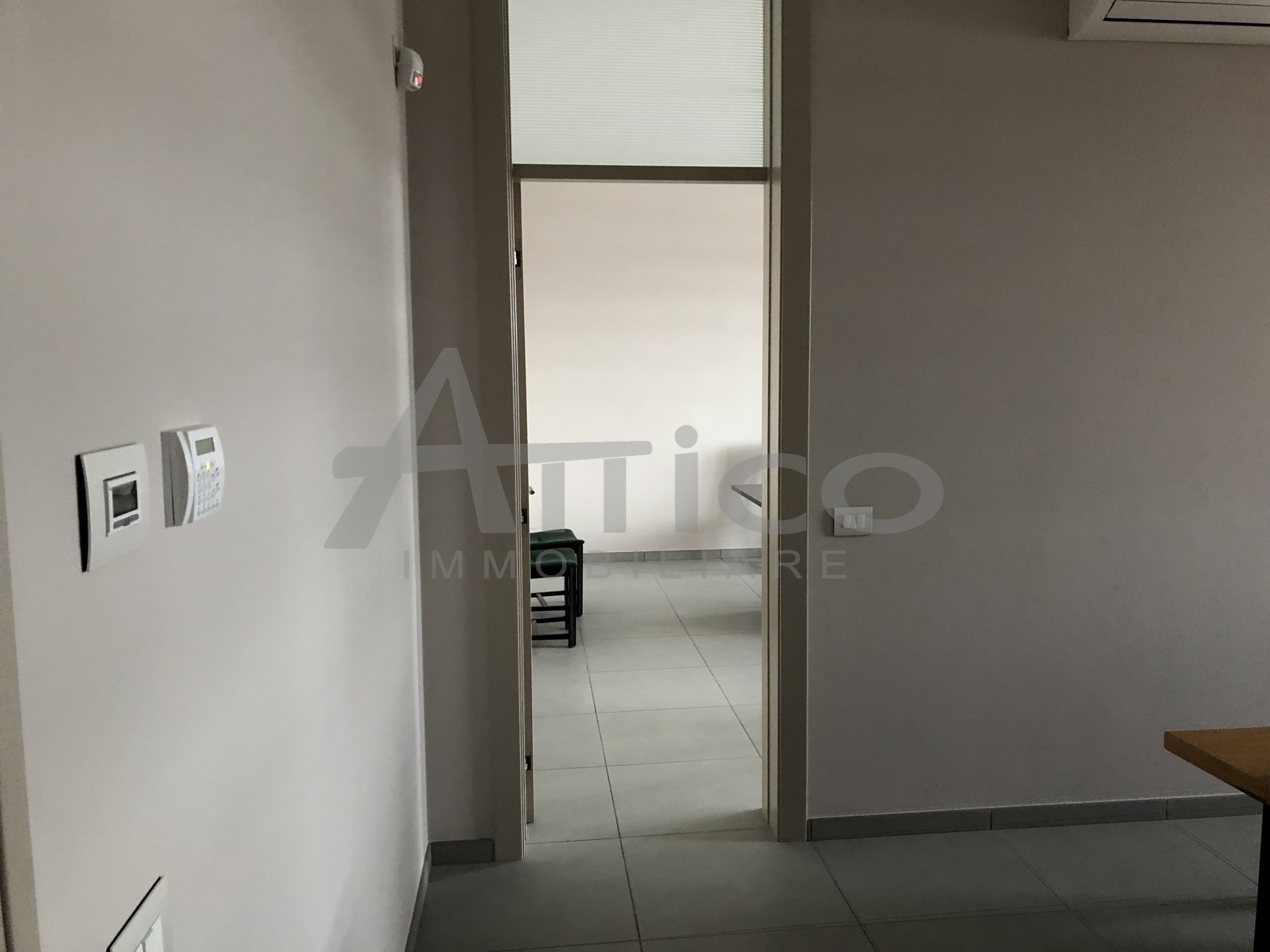 Ufficio Rovigo : Codice a1220 ufficio vendita a rovigo borsea attico immobiliare