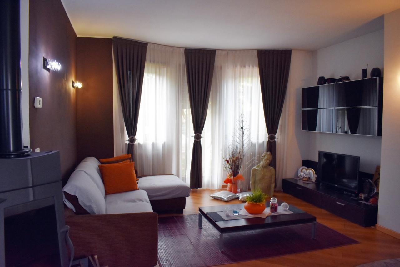 Casa Indipendente in ottime condizioni in vendita Rif. 10297849
