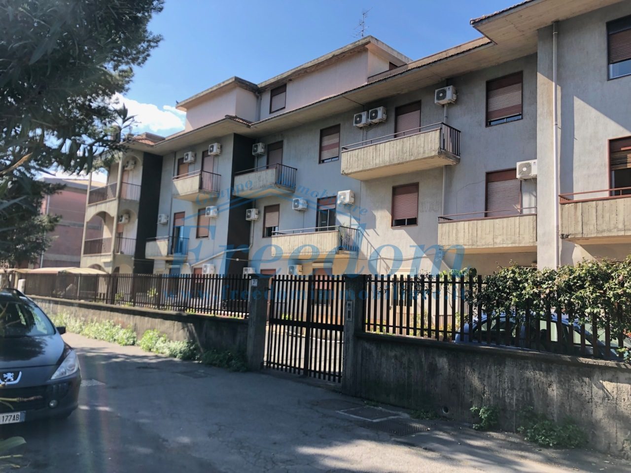 Appartamento in buone condizioni in vendita Rif. 9679386