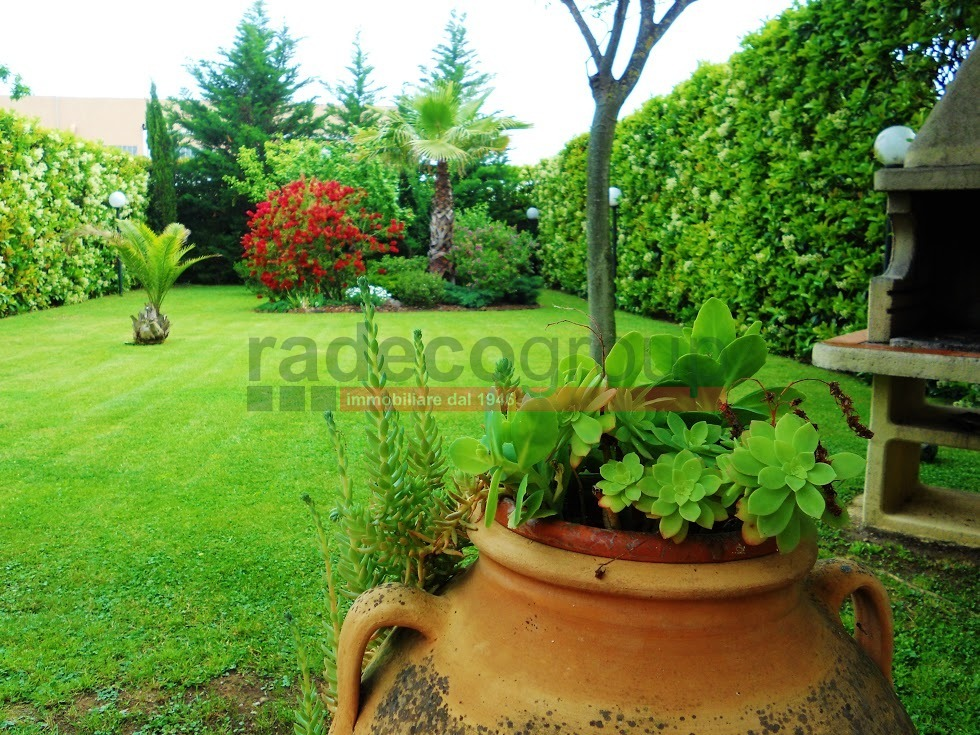Casa Indipendente in ottime condizioni in vendita Rif. 11245594