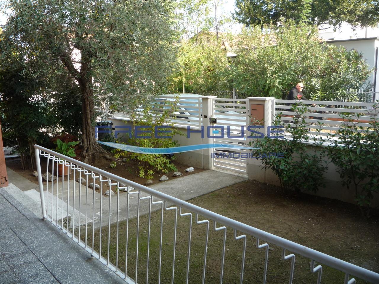 Villa in discrete condizioni arredato in vendita Rif. 10055865