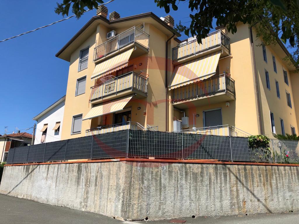 Appartamento in vendita a Aulla, 5 locali, prezzo € 155.000 | PortaleAgenzieImmobiliari.it