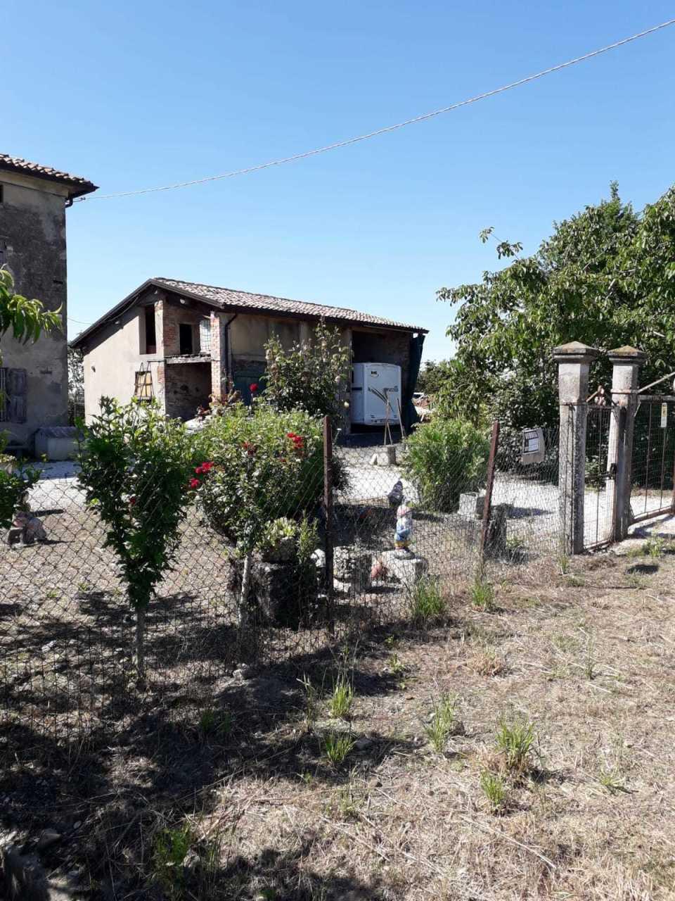 Rustico / Casale in discrete condizioni in vendita Rif. 11028304