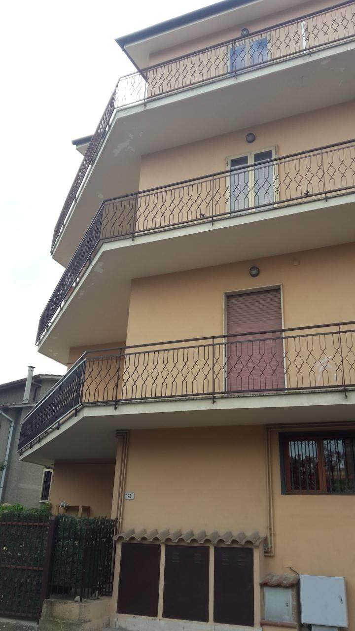 Appartamento in buone condizioni in vendita Rif. 7240759