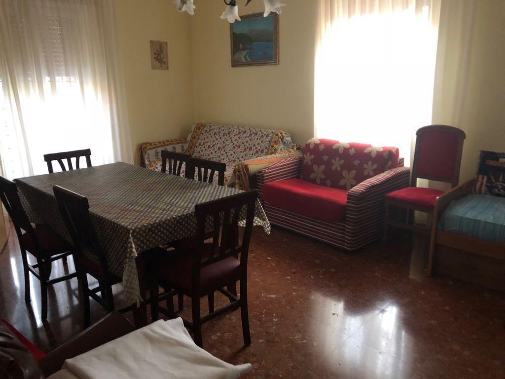 Appartamento in buone condizioni in vendita Rif. 7844150