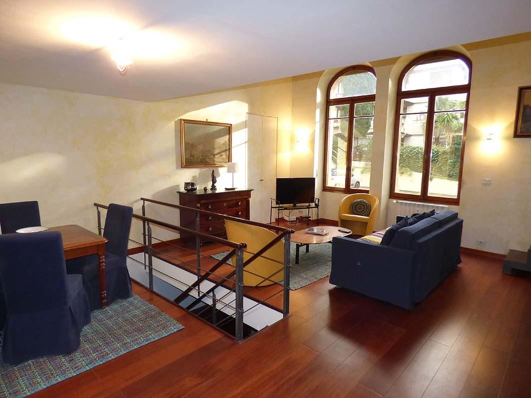 Appartamento in ottime condizioni in vendita Rif. 9863632