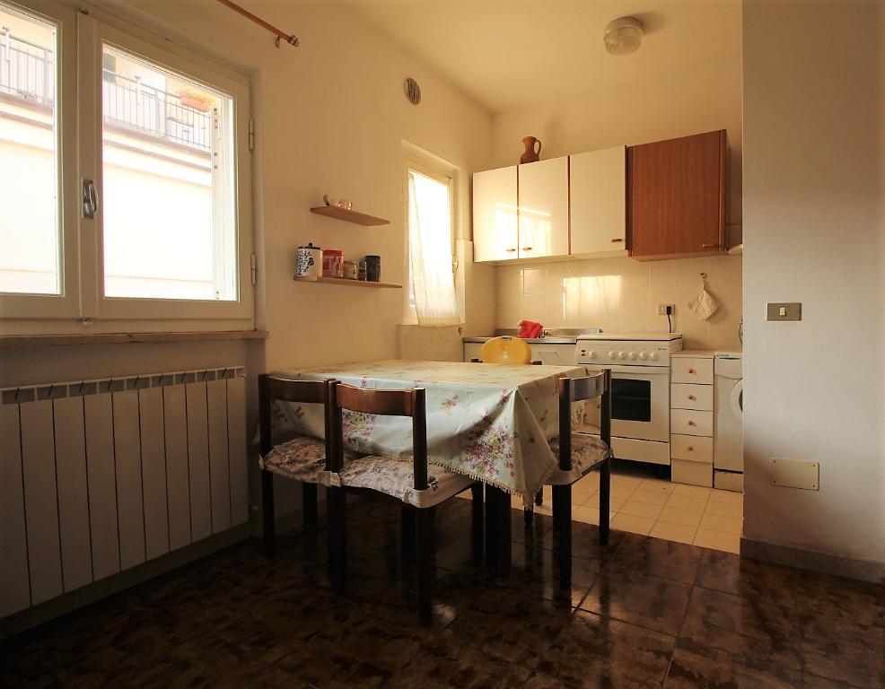 Appartamento in buone condizioni arredato in vendita Rif. 9284768