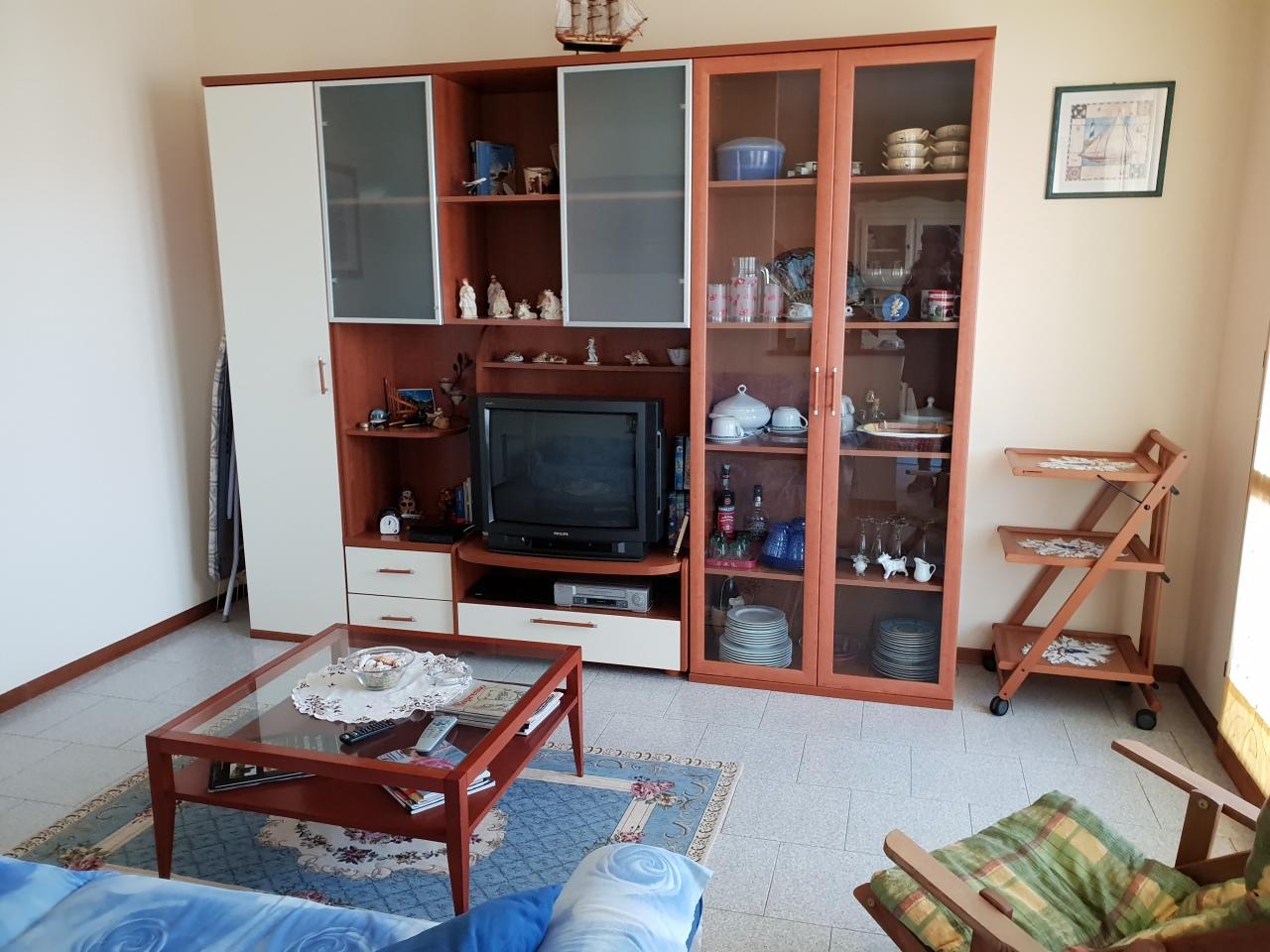 Appartamento in buone condizioni in vendita Rif. 9811418