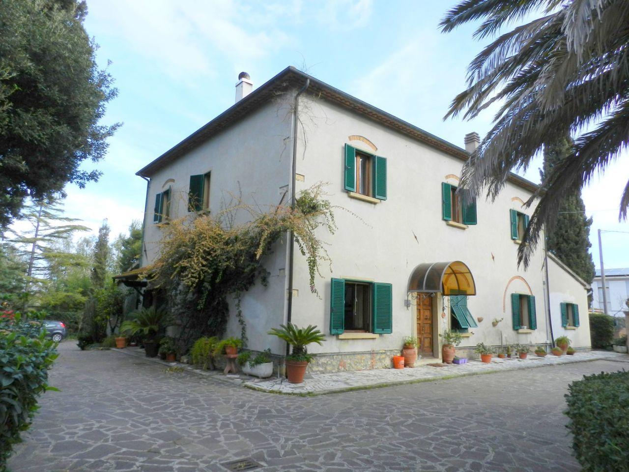 Rustico / Casale in buone condizioni in vendita Rif. 9566269