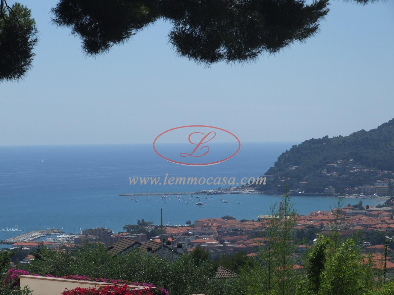 Villa a Schiera in vendita a Diano Castello, 5 locali, prezzo € 480.000   PortaleAgenzieImmobiliari.it