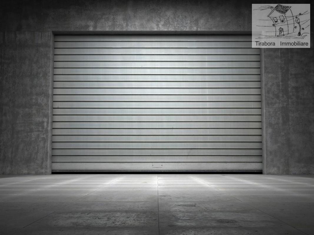 Box e posti auto in buone condizioni in vendita Rif. 8047115