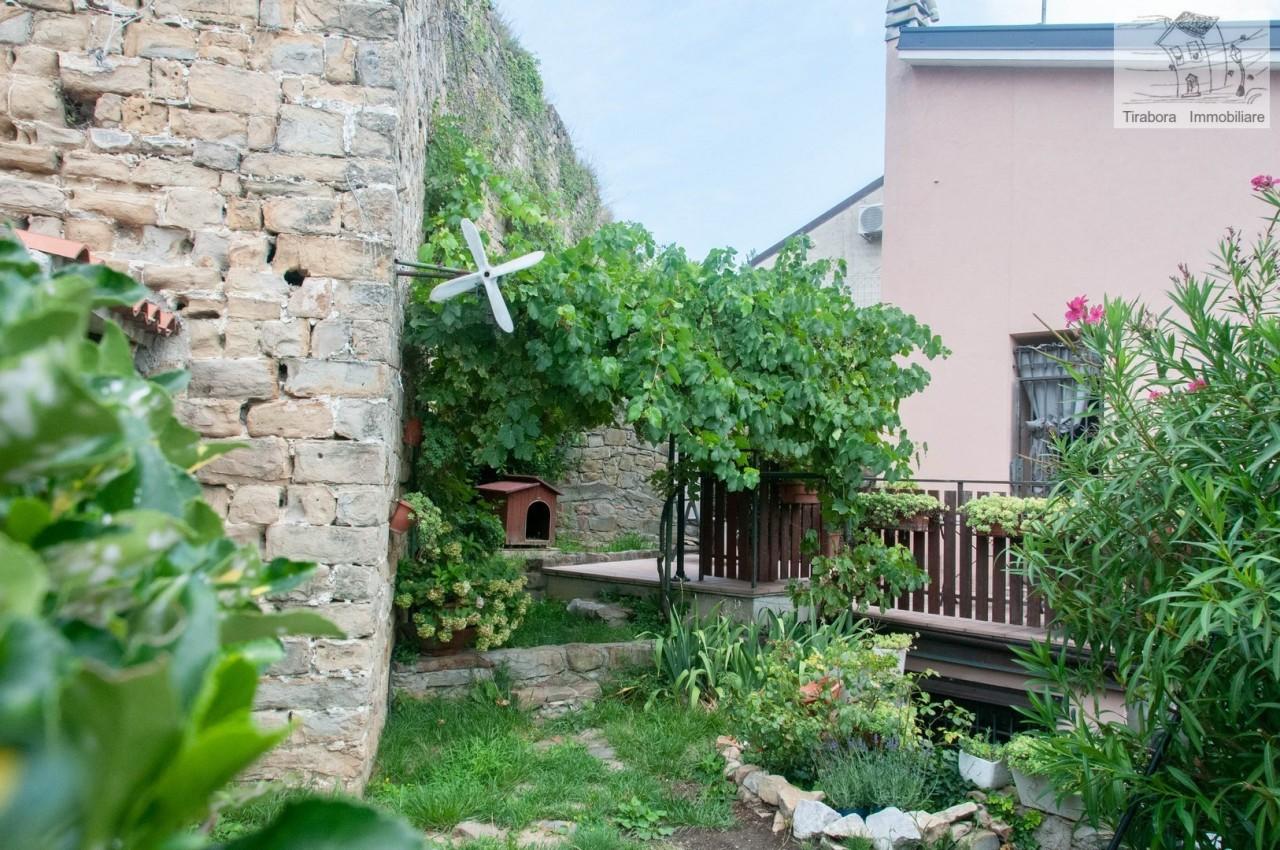 Villa in buone condizioni in vendita Rif. 10894489