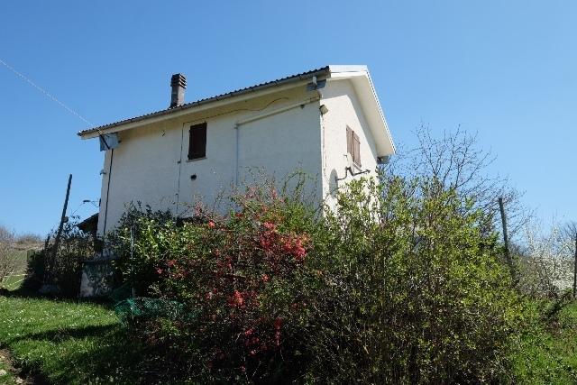 Villa in vendita a Mioglia, 5 locali, prezzo € 48.000 | PortaleAgenzieImmobiliari.it
