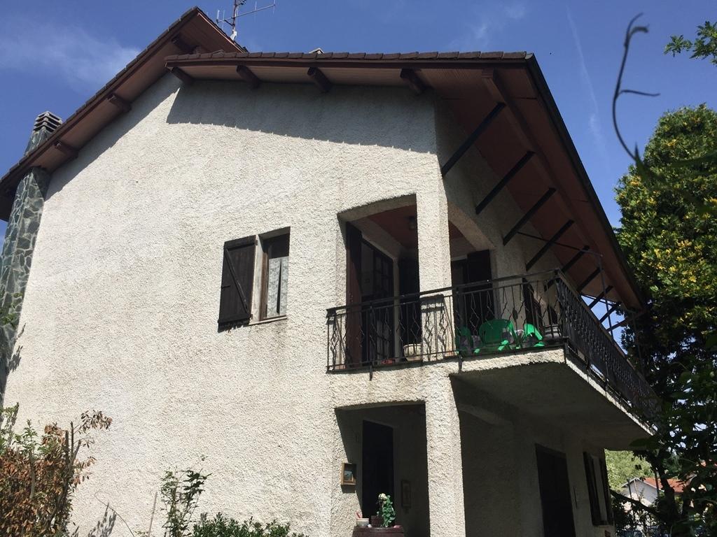 Villa in vendita a Giusvalla, 11 locali, prezzo € 190.000 | PortaleAgenzieImmobiliari.it