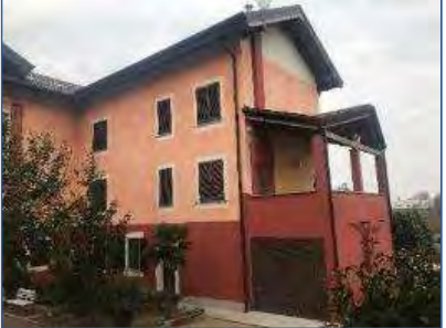 Porzione di casa in buone condizioni in vendita Rif. 11109564