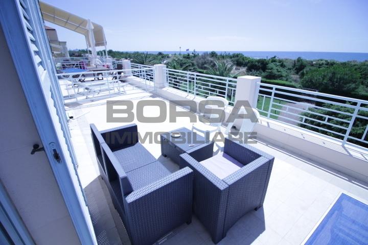 Appartamento in ottime condizioni arredato in vendita Rif. 10589732
