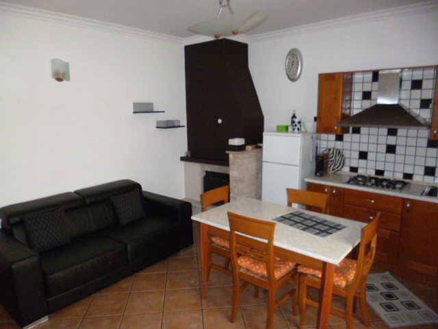 Casa Indipendente ristrutturato arredato in affitto Rif. 11932670