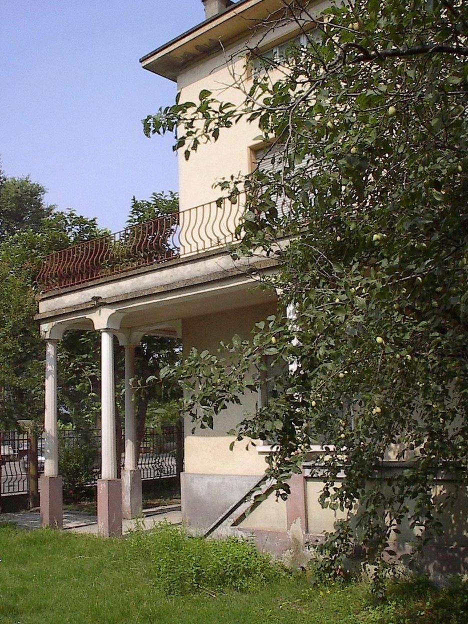 Villetta a schiera in discrete condizioni in vendita Rif. 4168355