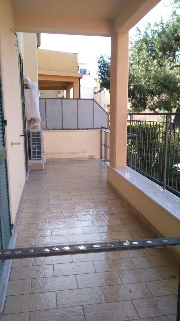 Bilocale con terrazzo vivibile 3B124