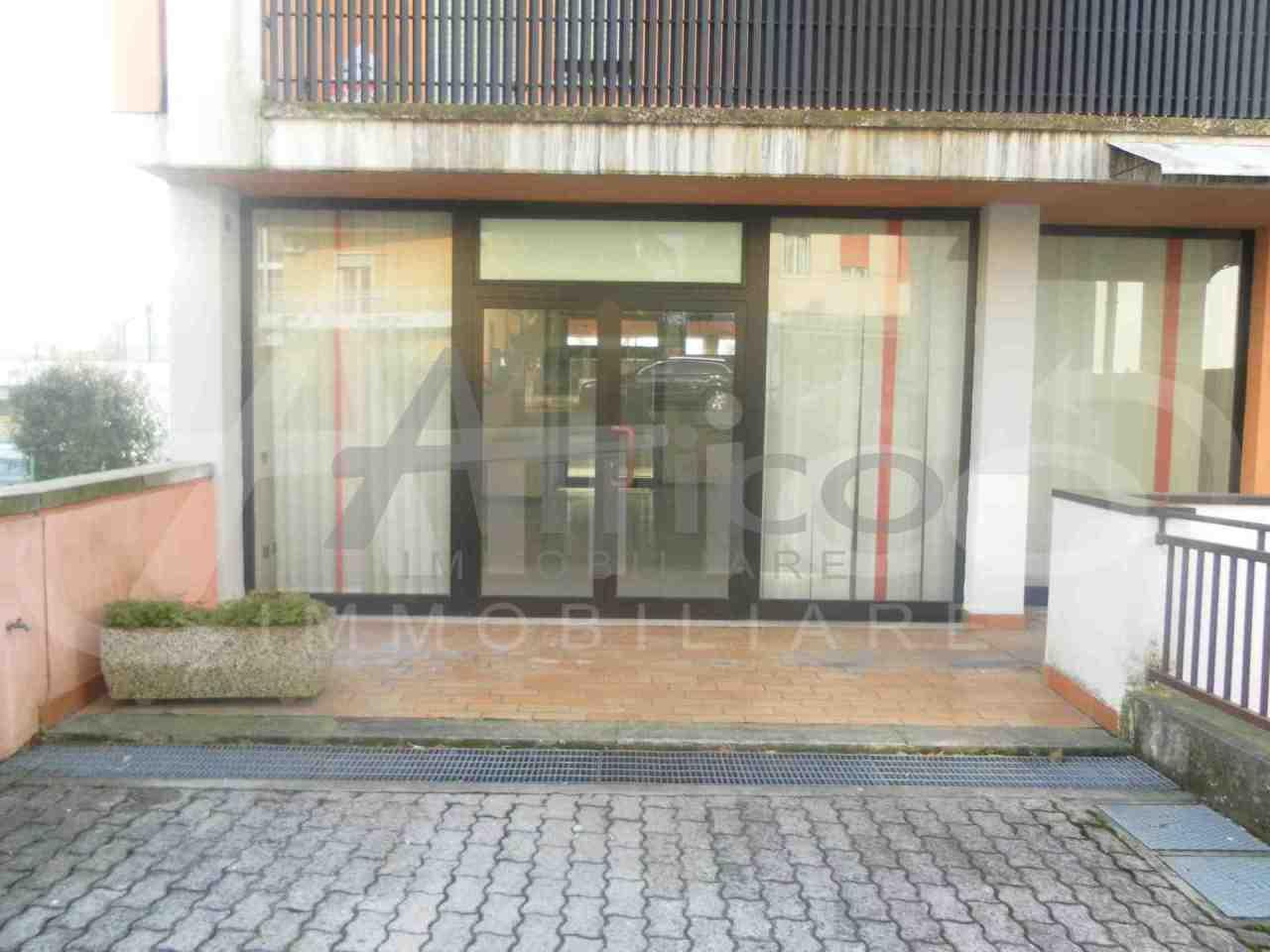 Locale commerciale - 1 Vetrina a Città, Rovigo Rif. 10085287