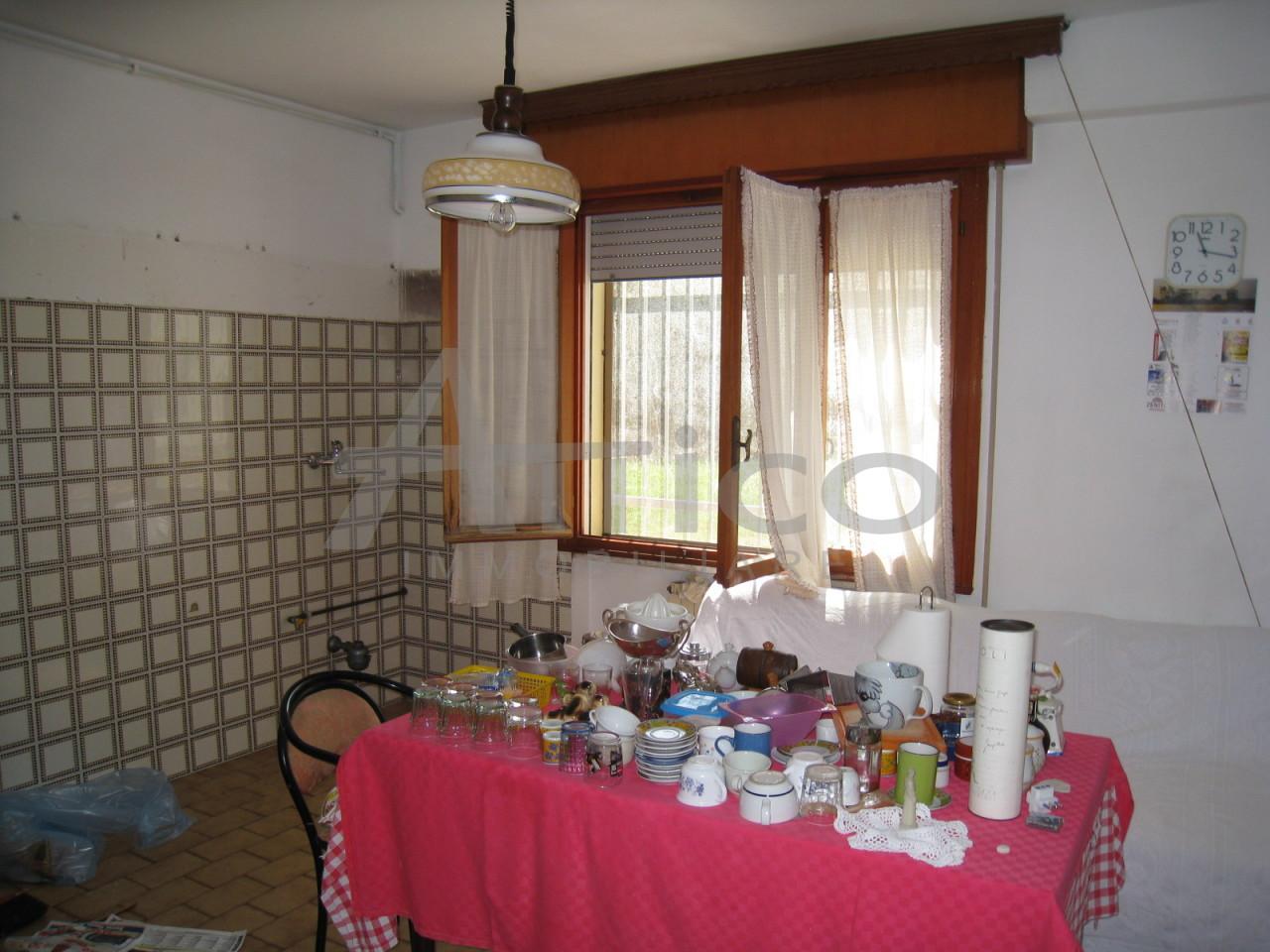 Appartamento in vendita a Rovigo, 3 locali, prezzo € 68.000 | CambioCasa.it