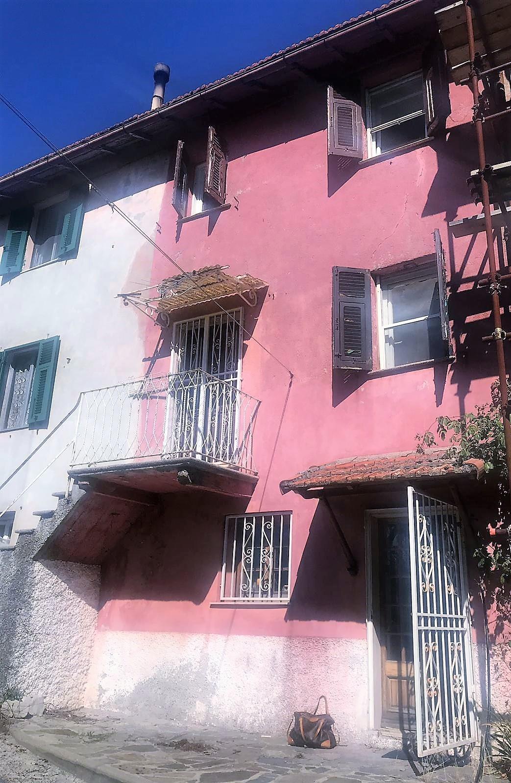 Codice 0090 case villa o casa semi indipendente in vendita a torriglia immobiliare il perimetro - Valutazione immobile casa it ...