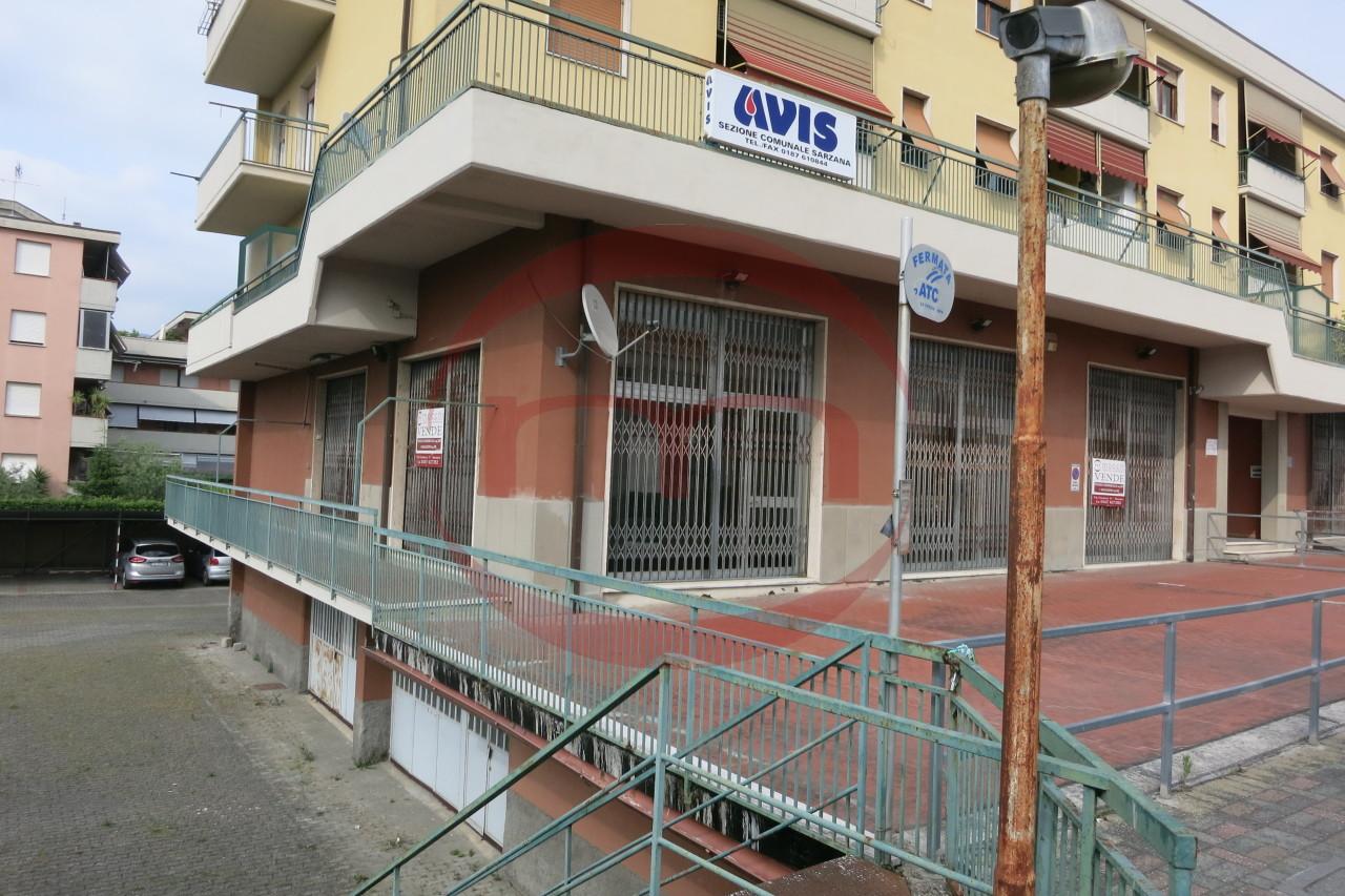 Negozio / Locale in affitto a Sarzana, 9999 locali, prezzo € 1.800   CambioCasa.it