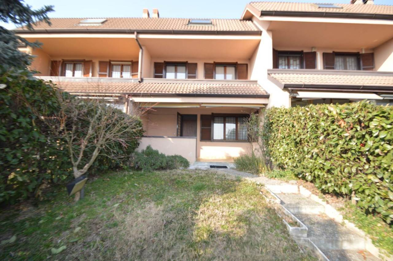 Villetta a schiera in buone condizioni in vendita Rif. 9650713
