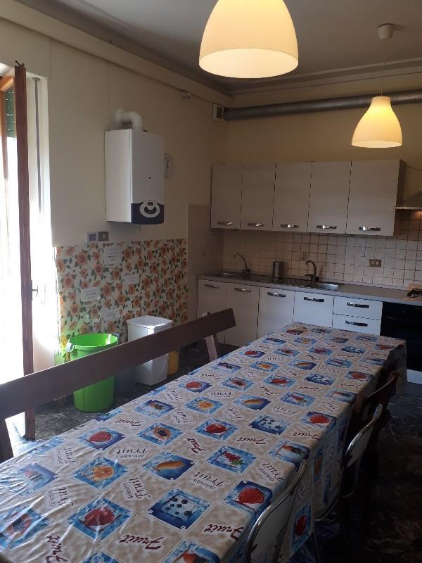 Appartamento in buone condizioni in vendita Rif. 8028567