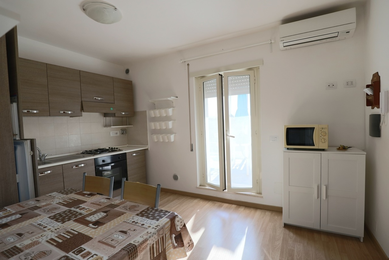 Attico / Mansarda ristrutturato arredato in affitto Rif. 11255741