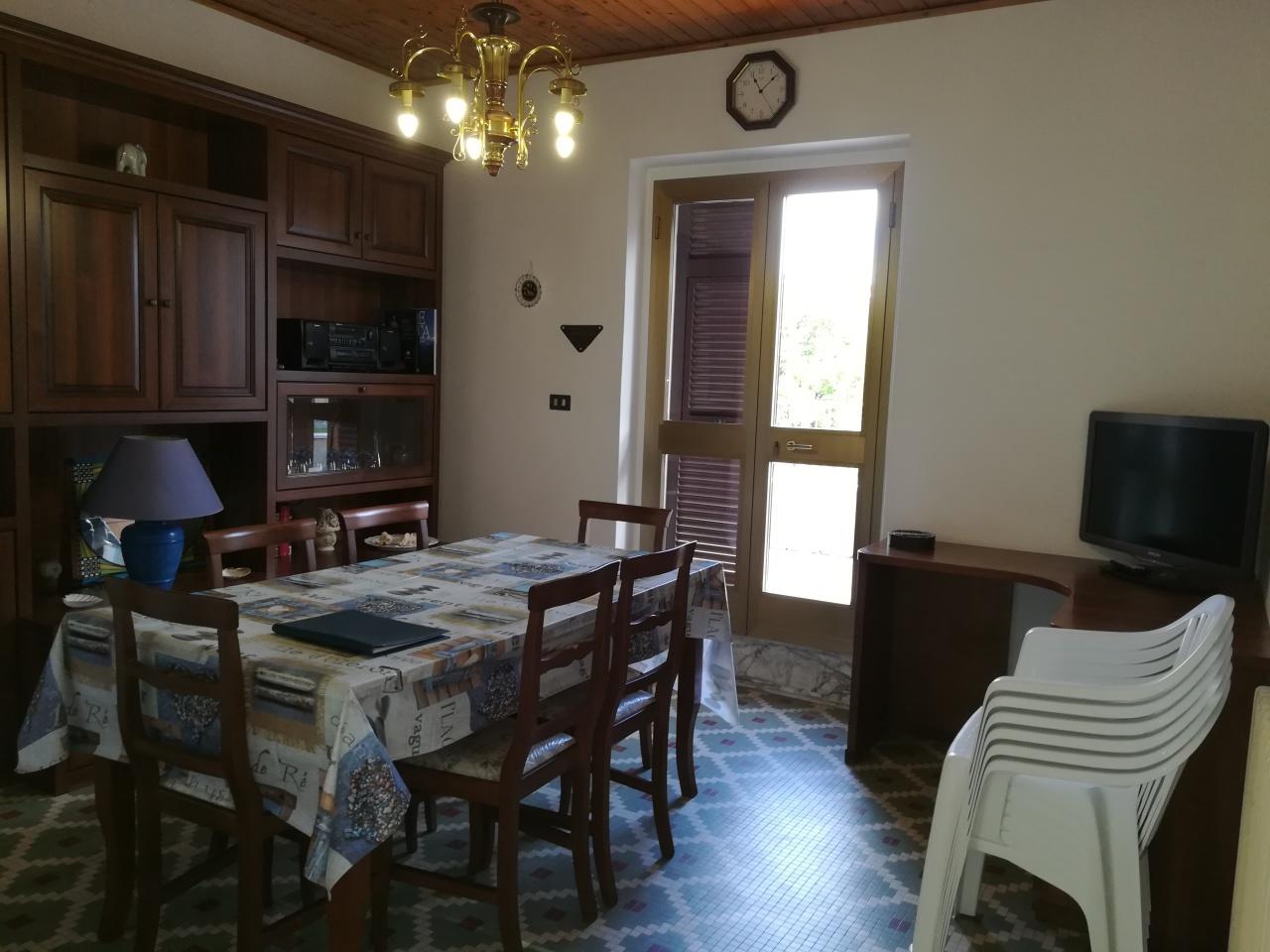 Appartamento in buone condizioni arredato in affitto Rif. 8078130