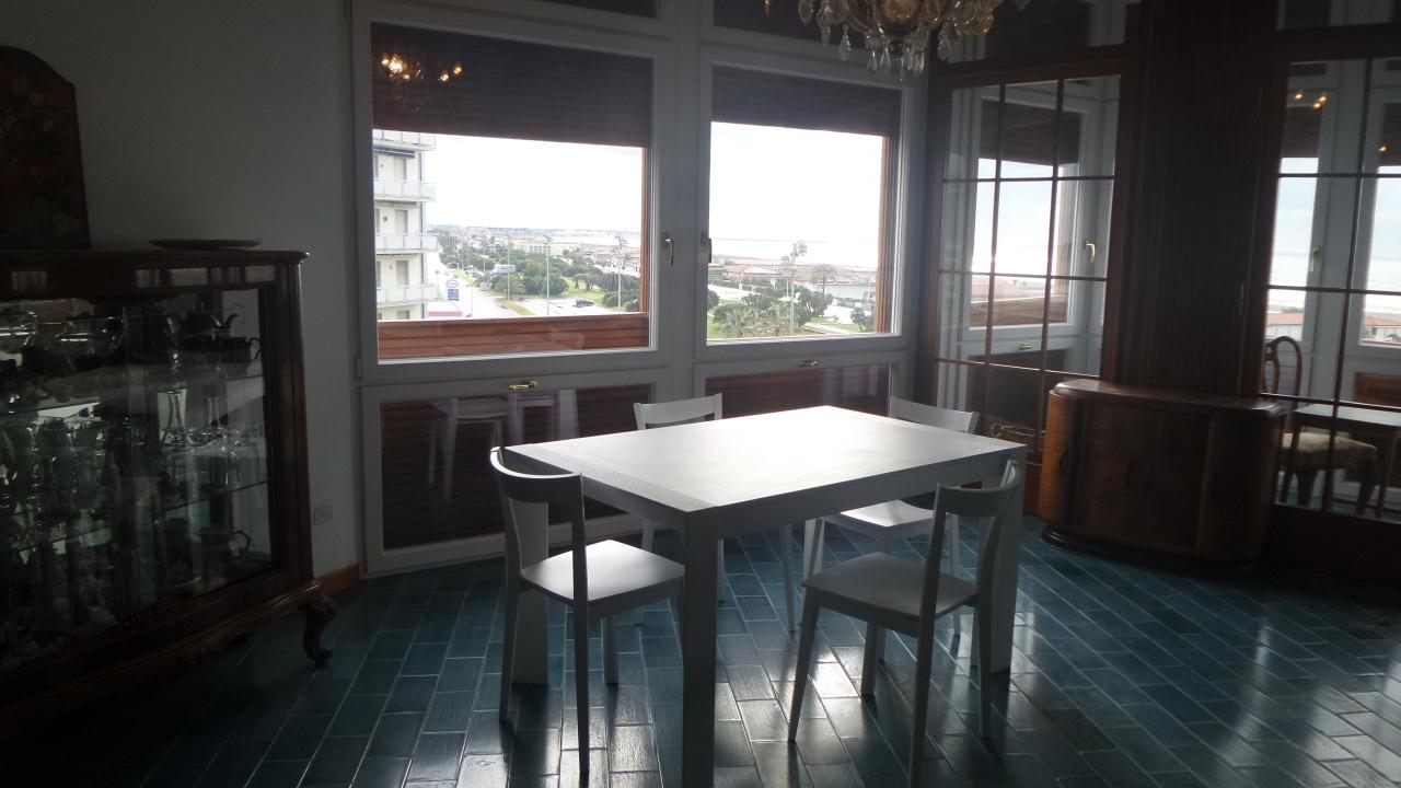 Appartamento in ottime condizioni arredato in affitto Rif. 8353307