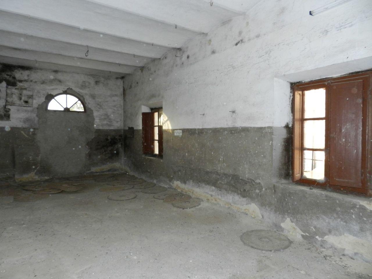 Appartamento in discrete condizioni in vendita Rif. 9357974