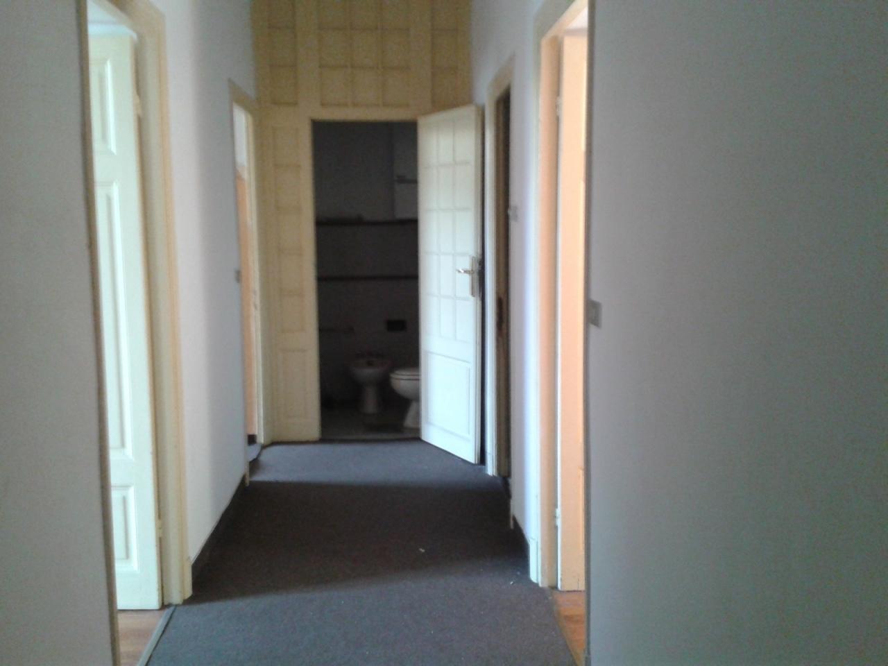 Ufficio / Studio in affitto a SanRemo, 7 locali, prezzo € 1.800 | PortaleAgenzieImmobiliari.it