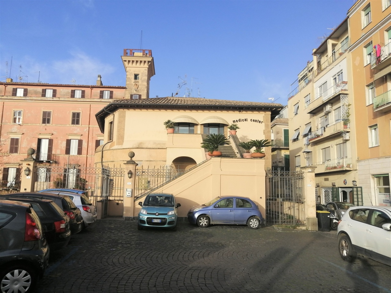 Locale commerciale a Frascati Rif. 12225135