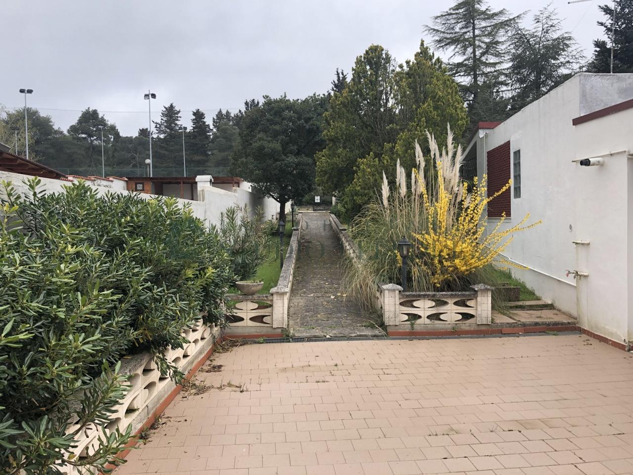Villa in buone condizioni in vendita Rif. 11072938