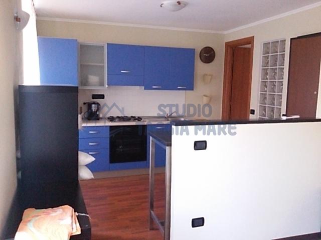 Appartamento ristrutturato arredato in vendita Rif. 4157166