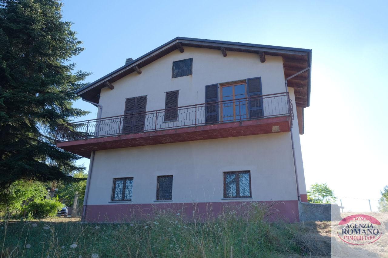 Villa in vendita a Ponzone, 16 locali, prezzo € 230.000 | PortaleAgenzieImmobiliari.it